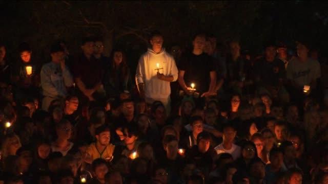 Students Organize Candlelight Vigil in Wake of Isla Vista Murders
