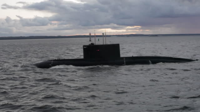 WS Submarine sails for homeport on the Baltic Sea / St Petersburg, Russia