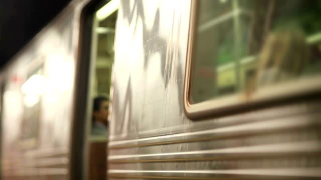 U-Bahn-in Film Tilt-Shift-Objektiv (geringe Tiefenschärfe