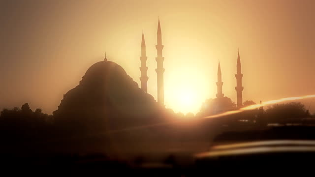 HD: Suleymaniye Mosque & Traffic