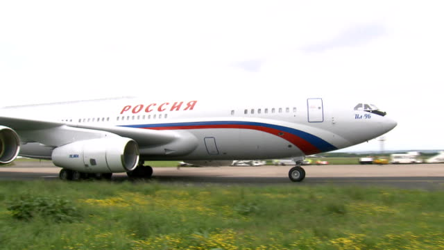 Arrivals Russian government aircraft bringing Russian President Vladimir Putin to the G* summit landing and taxiing / Russian President Vladimir...