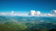 4K: soluppgång och dimma på bergen i norra thailand