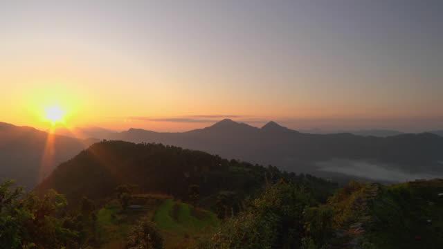 WS HA Sunrise over Himalayan mountains / Kathmandu, Nepal