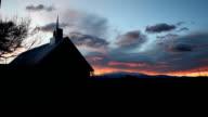 Sonnenaufgänge im ländlichen Kirche