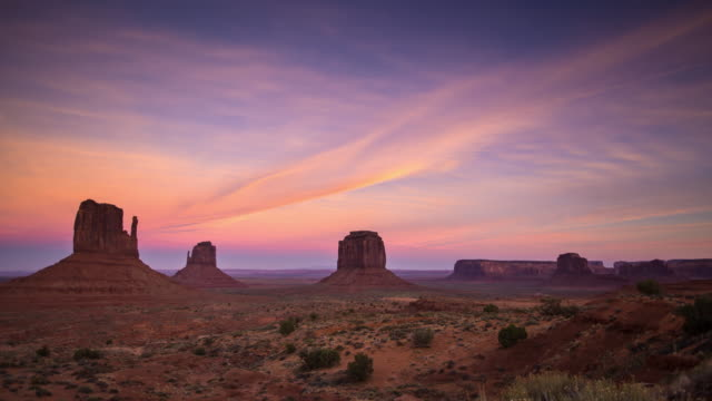 Sunset at Monument Valley - Time Lapse