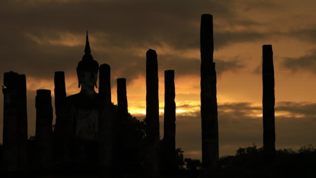 Sunset at Wat Mahathat Sukhothai Thailand