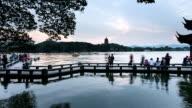 Sonnenuntergang, timelapse auf alte Brücke des west lake, China