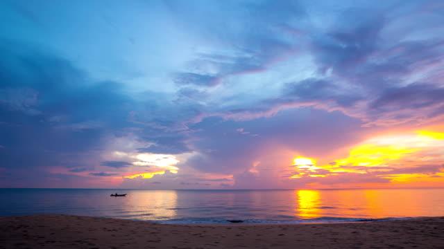 Sonnenuntergang, Timelapse in der Andamanensee und die Phang Nga, Thailand
