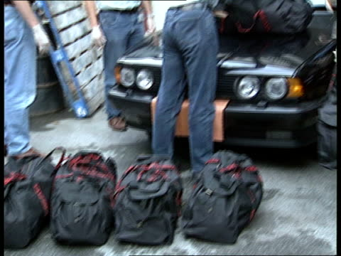 Supergrass Drug Dealers Release ENGLAND SEQ Heroin haul found in car displayed TX London ITN