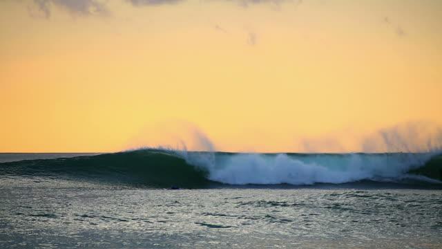 Surf al crepuscolo
