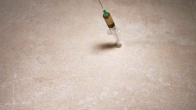 MS SLO MO Syringe with liquid falling floor / Vieux Pont, Normandy, France