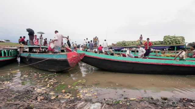 Tabalcheri float market on Kaptai Lake, Rangamati District, Chittagong Hill Tracts, Chittagong Division, Bangladesh, Indian Sub-Continent, Asia