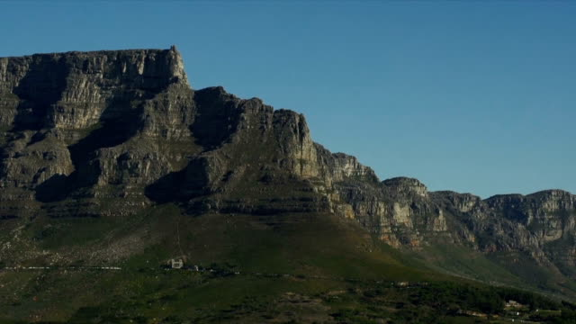 WS Table Mountain from Victoria and Alfred Waterfront / Cape Town/ Western Cape/ South Africa