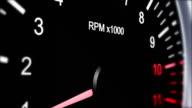 Speleology von einem Sport Auto voller Geschwindigkeit, Beschleunigung,