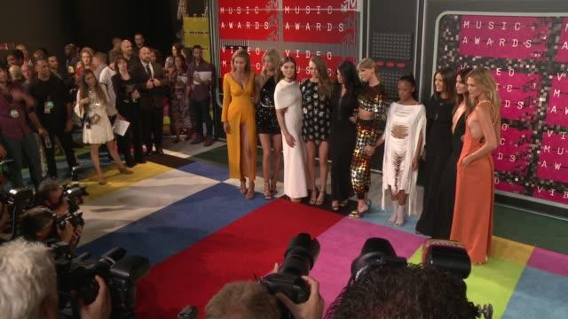 Taylor Swift Gigi Hadid Cara Delevingne Mariska Hargitay Hailee Steinfeld Selena Gomez and Karlie Kloss at the 2015 MTV Video Music Awards at...