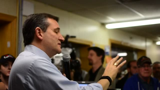Ted Cruz made a campaign stop at Casey's General Store in Van Horne Iowa to greet a large group of supporters