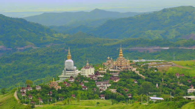 Tempel in valley