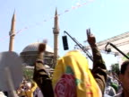Tens of thousands of Kurds rallied Tuesday urging Turkey to grant them greater rights and reach a peace deal with Kurdish rebels who extended their...