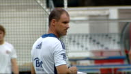 Test career of Kevin Pietersen in doubt after text message row Andrew Strauss at training session