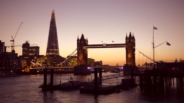 Thames dusk.