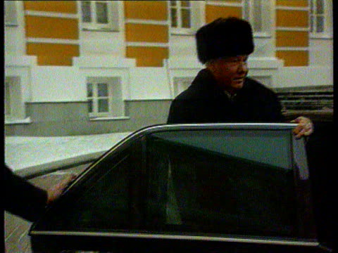 The Boris Yeltsin collection Yeltsin returns to work