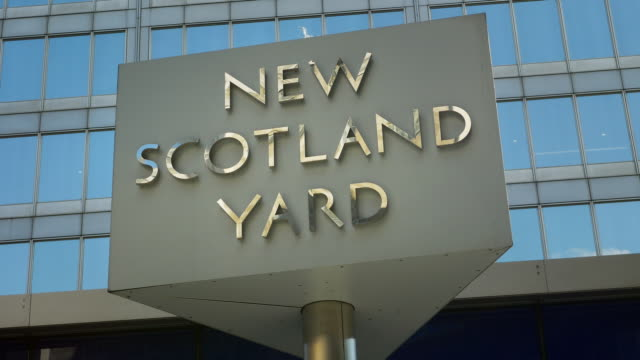 The building is located in London Victoria Street 4K/UltraHD ProRes 422 downconverted to HD NO