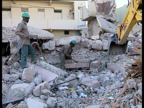 The clearup operation begins following the Gujarat earthquake