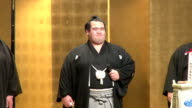 The decadelong wait for a Japaneseborn championship winner is finally over Ozeki Kotoshogiku overpowered Goeido on Sunday to win the New Year Grand...