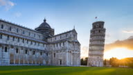 TL MS The leaning tower of Pisa at sunrise