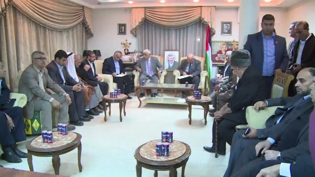 The Palestinian movement Hamas symbolically handed over the keys to former Palestinian leader Yasser Arafat's house in Gaza Tuesday on the eve of the...