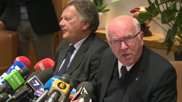 The president of the Italian Football Federation Carlo Tavecchio gave a press conference Monday after handing in his resignation during a crisis...