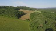 Het landschap luchtfoto van Poconos, Monroe County, Pennsylvania. De zonnige Zomerochtend. De panoramische kijken over de akkers en de boerderijen in de buurt van door Kunkletown.