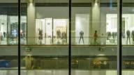 4 K Zeitraffer (4096 x 2160): Das Einkaufszentrum und lifestyle in urbanen Szene (Apple ProRes 422 (HQ) format).