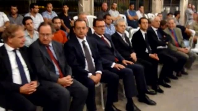 The US and French ambassadors travelled to the Damascus district of Daraya on Tuesday to attend a condolence ceremony for slain Syrian activist...