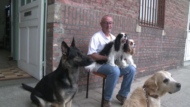 They say dogs are a man's best friend At the Philippe Pinel psychiatric hospital in Amiens that couldn't be more true