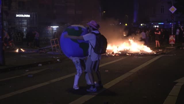 This is a collection of the most dramatic moments from a night time riot in which G20 protesters including black bloc antifa anticapitalists and...