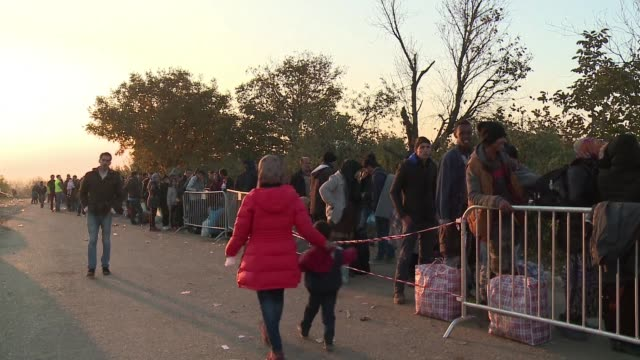 Thousands of migrants from the Middle East arrived at the Serbo Croatian border on Monday at the border checkpoint of Berkasovo while the UNHCR...