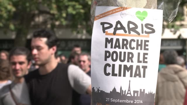 Thousands of people and dozens of organizations participated in a protest against climate change in Paris