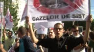 Thousands of Romanians protested on Monday against plans by American company Chevron to explore for shale gas in the Barlad region in eastern Romania...