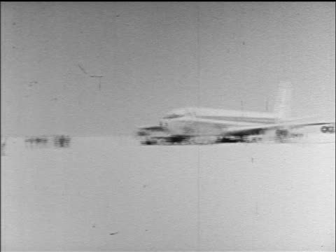 PAN three airliners hijacked by PLO terrorists parked in desert / Jordan / newsreel