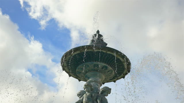 Three videos of fountain in 4K