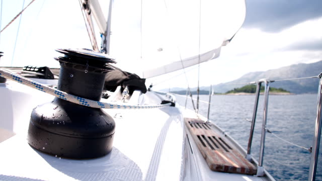 SLO MO Tightening The Sail