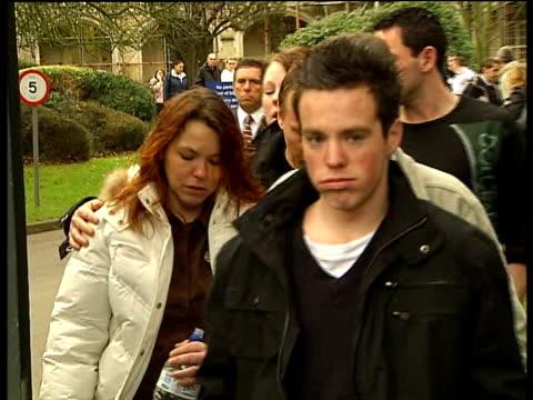 Tilbury car crash mother jailed Snaresbrook Family of Lee Gray along