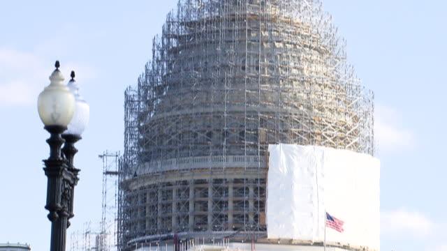 Tilt up United States Capitol building under construction