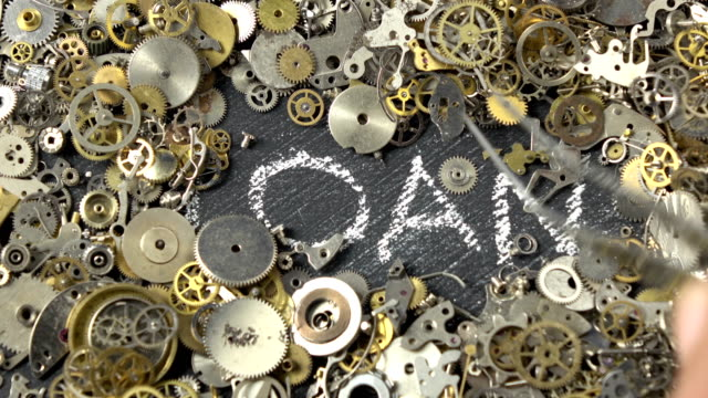 Tijd Is geld Concept Via uurwerk onderdelen