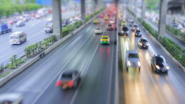 4 K Zeitraffer 4096 x 2160: Tilt Shift Zeitraffer der Autobahn Verkehr Innenstadt von Bangkok, Thailand mit ProRes 422HQ (Unschärfe Inhalt).
