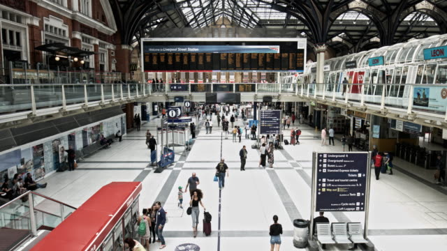 Time lapse at Liverpool Street Station at Rush Hour