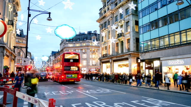 4K time lapse Christmas & Shopping on Oxford street, London