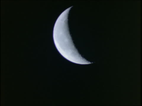 time lapse crescent moon rising