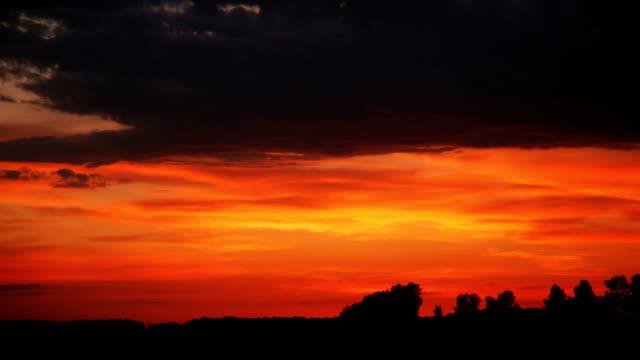 HD time lapse: dusk